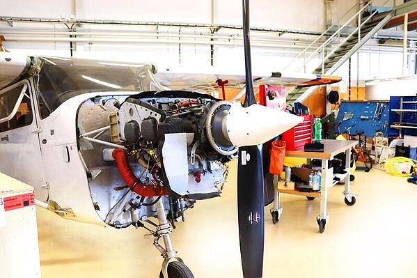 Gas engine in Cessna 172