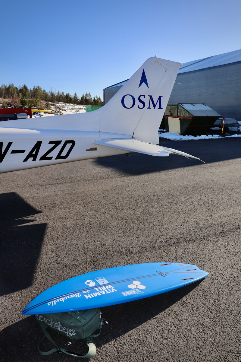 Surfboard and Cessna 172